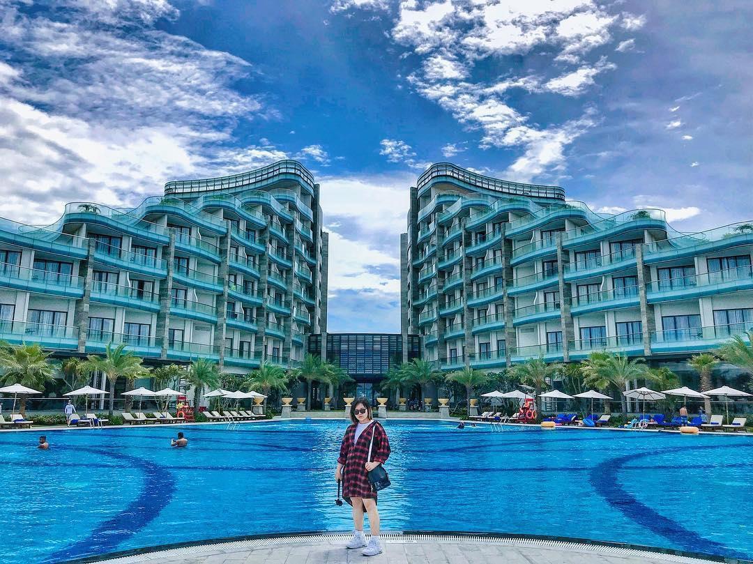 Here We Go: Team Cao Thiên Trang đánh lẻ thực hiện bộ ảnh siêu chất bên bể bơi Vinpearl Nam Hội An - Ảnh 9.