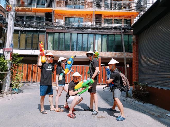 """Giới trẻ Việt đang kéo cả team qua Thái """"quẩy"""" Tết Songkran cho đã! - Ảnh 7."""