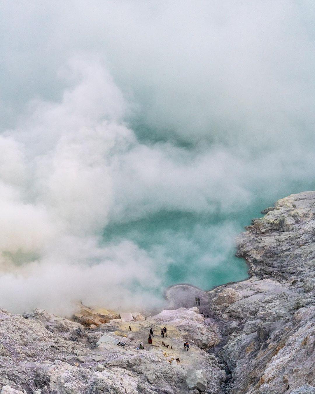 Đã mắt với hành trình chinh phục miệng núi lửa nổi tiếng nhất Indonesia của blogger du lịch đến từ Sài Gòn - Ảnh 1.