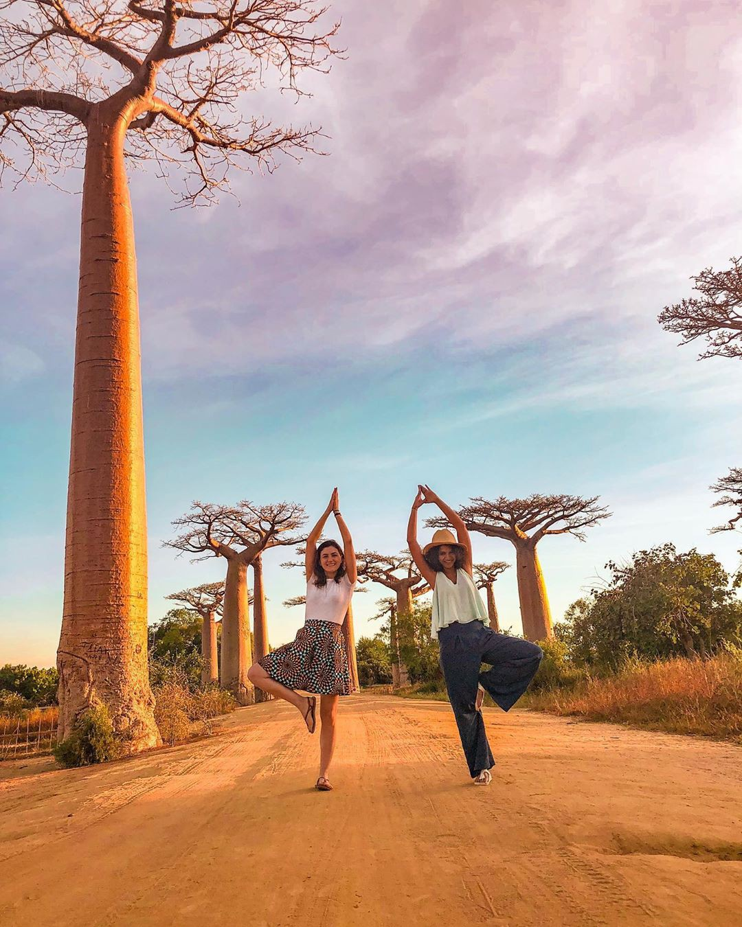 Dính phải lời nguyền phải mọc ngược, rừng cây ở Madagascar nay lại trở thành điểm check-in xịn xò của giới blogger du lịch - Ảnh 12.