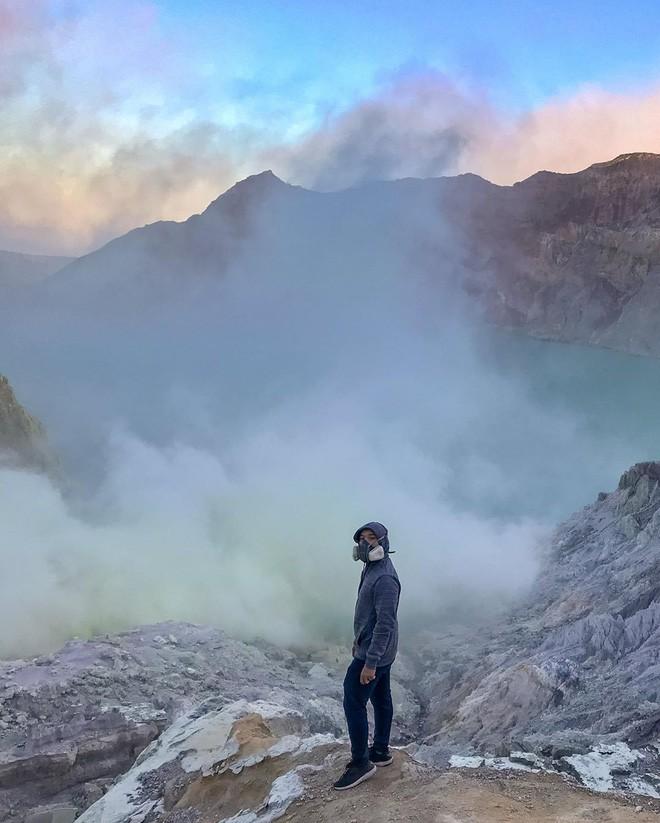Đã mắt với hành trình chinh phục miệng núi lửa nổi tiếng nhất Indonesia của blogger du lịch đến từ Sài Gòn - Ảnh 3.