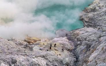 """""""Đã mắt"""" với hành trình chinh phục miệng núi lửa nổi tiếng nhất Indonesia của blogger du lịch đến từ Sài Gòn"""