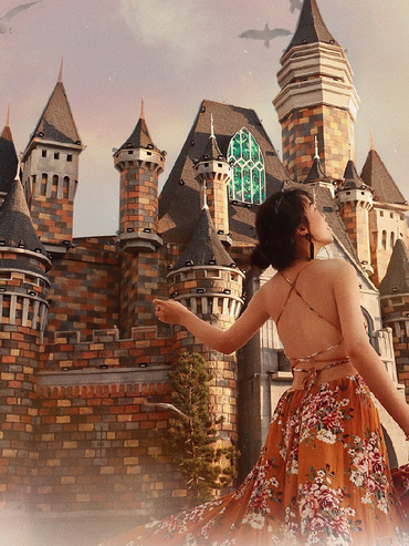 """Theo chân travel blogger Hà Trúc khám phá """"Châu Âu giữa lòng vịnh Nha Trang"""""""