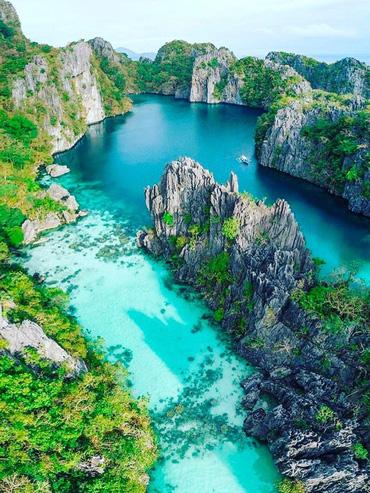 """Đã đến hòn đảo đẹp nhất Philippines là phải chơi """"tới bến"""" trò này như hội bạn thân vợ chồng Giang Ơi, Dino Vũ, Khánh Linh The Face"""